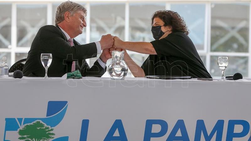 Vizzotti celebró la vacunación de más de 100 mil niños durante la primera jornada